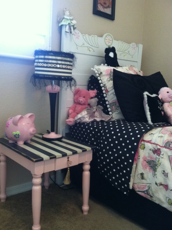 Picture from Sara's Adorable Frenchy Bedroom. Her sweet Mommy bought this table and emailed me a picture. Thanks Tiffany and Sara :)