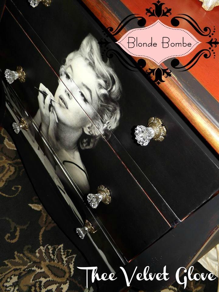 Blonde Bombe Thee Velvet Glove
